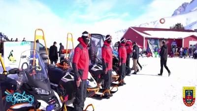 yabanci dil -  Kayak tutkunlarının huzur ve güvenliği Mehmetçik'e emanet