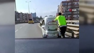koprulu -  Antalya'da trafik polisinden engelleri aşan hareket