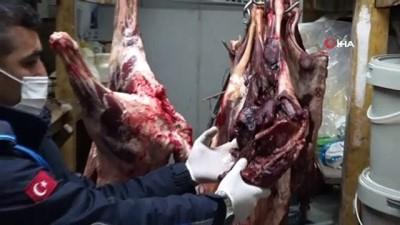 Mersin'de mide bulandıran görüntüler...Kilolarca kokmuş et, kıyma, peynir ve salça ele geçirildi
