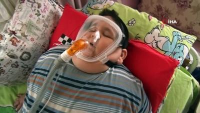 solunum cihazi -  5 yaşında 90 kiloya ulaşan Yağız, kendisine uzanacak yardım elini bekliyor