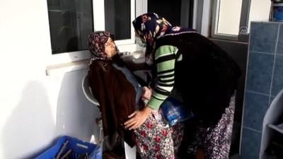 yardim cagrisi - ANTALYA - Yanan evdeki alzaymır hastası kadın kurtarıldı