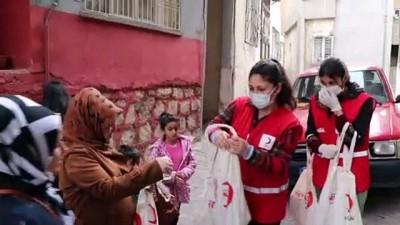 SİİRT - Türk Kızılaydan ihtiyaç sahibi 400 aileye kandil paketi