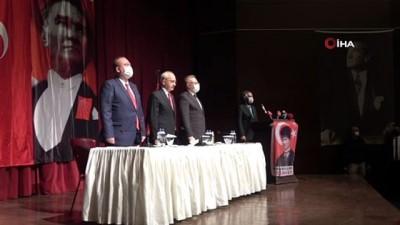 Kılıçdaroğlu, kanaat önderleri ve muhtarlarla buluştu