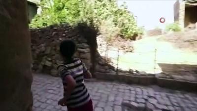 'Mavi' alan olan Siirt'te polisten vatandaşlara klipli mesaj