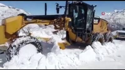 kar temizleme -  - Batman'da kar yağışı nedeniyle kapanan köy yolları ulaşıma açılıyor