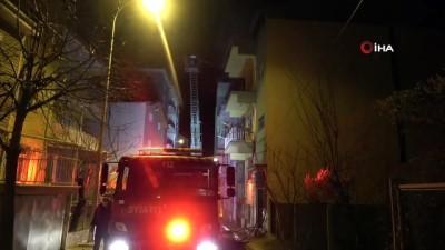 Çatıda çıkan yangın paniğe neden oldu