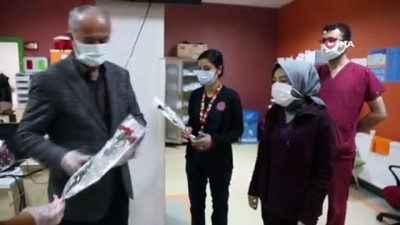 Başkan Akman'dan sağlık çalışanlarına çiçekli teşekkür