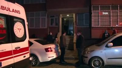 itfaiye merdiveni -  Ümraniye'de kötü kokular gelen evden yaşlı adamın cesedi çıktı