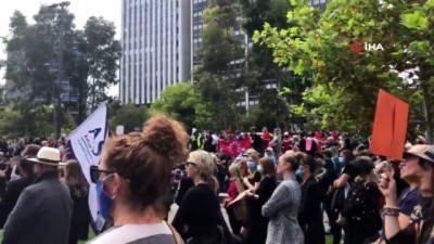 - Avustralya'da on binlerce kişi kadına yönelik şiddet ve cinsel istismarı protesto etti