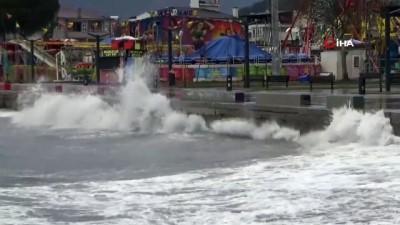 lodos -  Fırtınası Kuzey Ege'de etkili oluyor