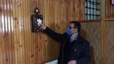 NEVŞEHİR - Camide telefonunu şarj eden genç, prizin yanına para ve not bıraktı