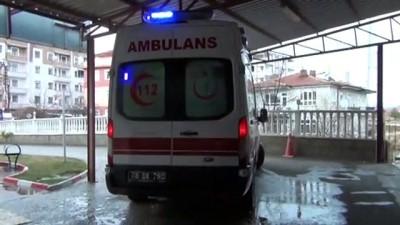 YOZGAT - Kamyonetin devrilmesi sonucu 1 kişi öldü, 2 kişi yaralandı
