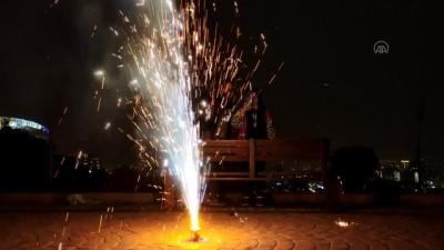 TAHRAN - İran'da 'Çarşamba Suri' kutlamalarında 8 kişi öldü