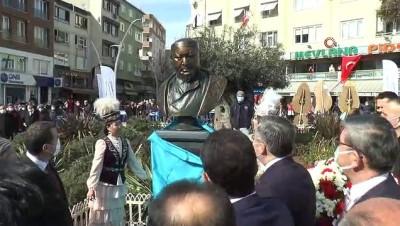 """Zeytinburnu'nda """"Abay Kunanbayoğlu Meydanı"""" açıldı"""
