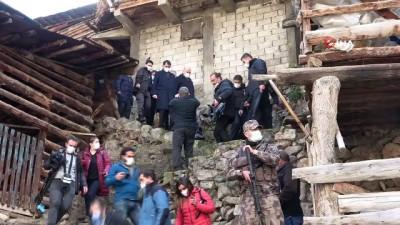 Bakan Soylu ve Bakan Kurum evleri yanan vatandaşlara seslendi