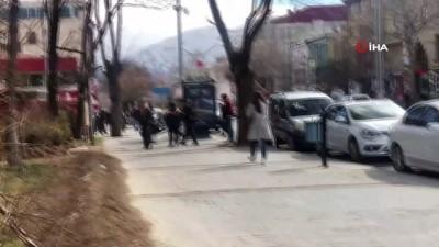 Erzincan'da liseli kızların kavgası