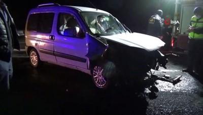 Mardin'de kamyonet ile otomobil kafa kafaya çarpıştı: 8 yaralı