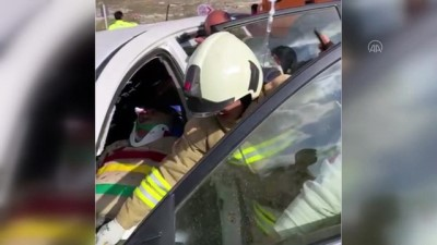 MARDİN - Zift yüklü tanker ile otomobil çarpıştı: 2 yaralı