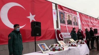 roketli saldiri - AĞRI - Teröristlerin roketli saldırısında şehit düşen 3 gümrük personeli törenle anıldı