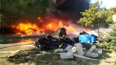 yangina mudahale - MANİSA - Geri dönüşüm tesisinde yangın (1)