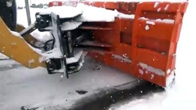 kar temizleme - MUŞ - Olumsuz hava koşulları nedeniyle 234 köy yolu ulaşıma kapandı