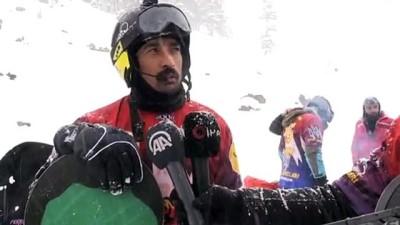 ARTVİN - Sahara Milli Parkı eteklerinde snowboard keyfi