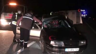 Karaman'da kamyonet ile otomobil çarpıştı: 6 yaralı
