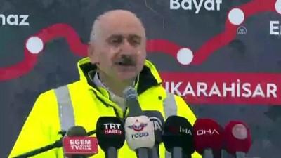 UŞAK - Bakan Karaismailoğlu: 'Açtığımız her tünelin, bizleri Türkiye'nin güçlü ve parlak geleceğine ulaştırdığına inanıyorum'