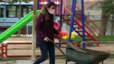 KIRKLARELİ - Köy sakinleri okul bahçesini imeceyle temizledi