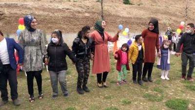Batman'da düzenlenen etkinliğe katılan down sendromlu çocuklar doyasıya eğlendi