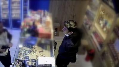 ÇORUM - Tekel bayisinden içki gasbeden zanlı tutuklandı