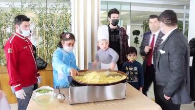 KİLİS - Down sendromlu çocuklar, Kilis'in tescilli cennet çamuru tatlısını yaptı