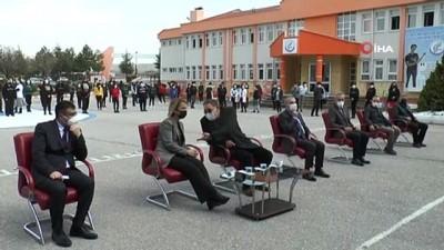 milletvekili -  YKS Türkiye birincisine okulu tarafından otomobil hediye edildi