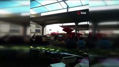 Fırtına pazarcılara zor anlar yaşattı