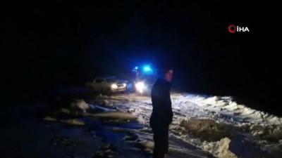 Kar ve tipiden yolu kapanan köydeki hasta 6 saat süren çalışmalar sonucu hastaneye kaldırıldı