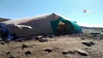 gard -  Elazığ'da fırtına direkleri devirdi, çatıları uçurdu 10 kuzu telef oldu