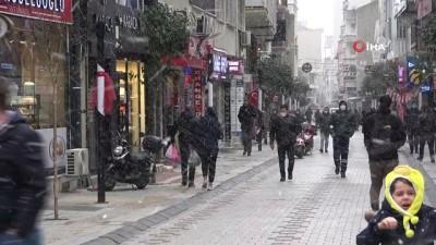 Kırklareli'nde lapa lapa kar yağışı
