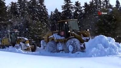 Sinop'ta 28 köy yolu kar nedeniyle ulaşıma kapandı