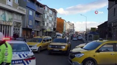 Kars'ta şüpheli çanta fünye ile patlatıldı