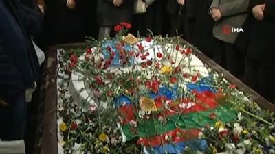 helikopter kazasi -  Muhsin Yazıcıoğlu kabri başında dualarla anıldı