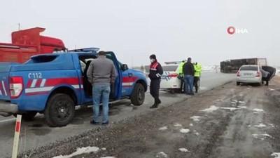 Sorgun'da kamyon devrildi: 1 yaralı