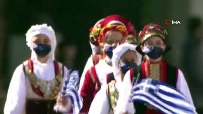 - Yunanistan bağımsızlık gününü askeri geçit töreniyle kutladı
