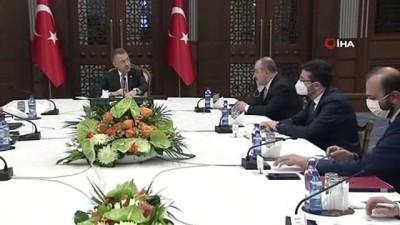 mutant -  Cumhurbaşkanı Yardımcısı Oktay'ın başkanlığında yerli aşı çalışmaları değerlendirildi