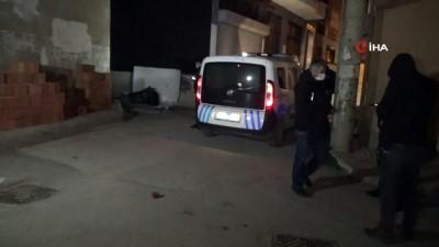 asad -  İzmir'de sokak ortasında çelik kasa bulundu
