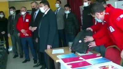Kızılay'dan 500 öğrenciye kırtasiye yardımı
