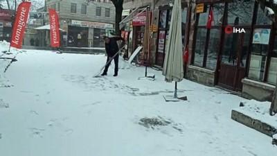 karayollari -  Aksaray'ın yüksek kesimlerinde kar etkisini sürdürüyor