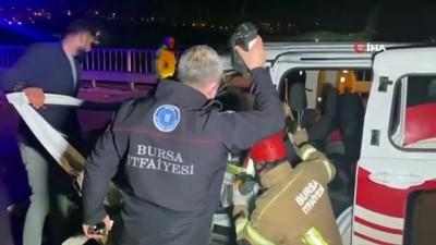 agir yarali -  Bursa'da araç tırın altına girdi: 1 ölü