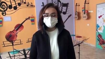 - Kadın doktorlar Tatvan'da müzik atölyesi kurdu