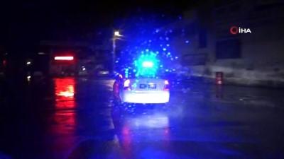 ehliyetsiz surucu -  - Ehliyetsiz sürücü, muayenesiz araçla, tüfek ve uyuşturucu maddelerle yakalandı