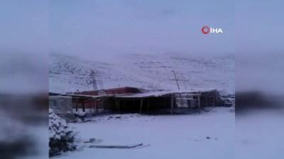 Iğdır'ın yüksek kesimlerine Mart karı yağdı
